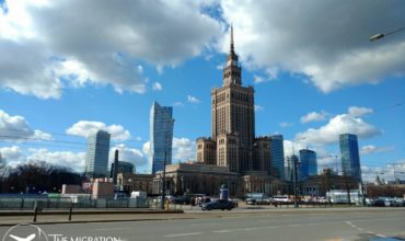 Warsaw, the most important business center in Poland, encouraging foreigners to invest. Stay legally in Poland.