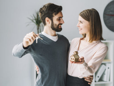 couple with house keys renting flat in warsaw poland The Migration Bureau